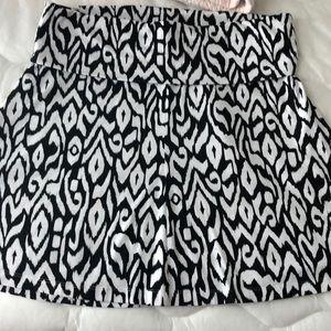 Black and white print skirt